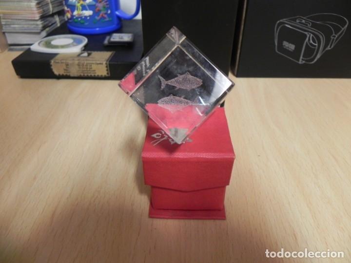 CUBO CRISTAL GRABADO 3D PEZ (Artesanía - Hogar y Decoración)