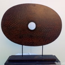 Artesanía: ORIGINAL OBJETO DECORATIVO TALLADO EN MADERA. Lote 163709221
