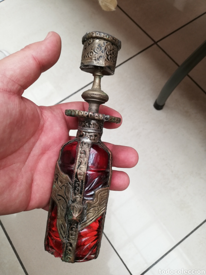 Artesanía: Botella cristal y latón labrado portabela - Foto 5 - 182681211