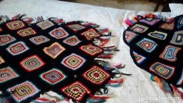 Artesanía: Colcha pequeña para sofá y reposacabezas. Ganchillo con lana. Hecho a mano en 1.912 - Foto 2 - 182856546
