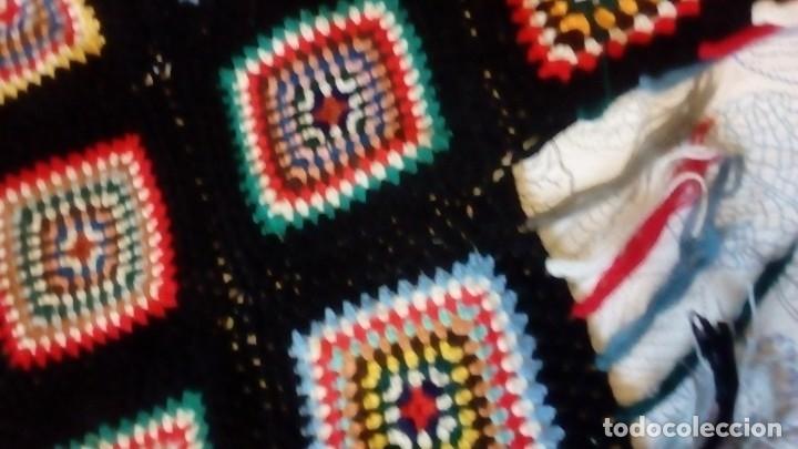 Artesanía: Colcha pequeña para sofá y reposacabezas. Ganchillo con lana. Hecho a mano en 1.912 - Foto 3 - 182856546