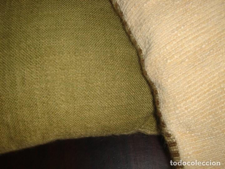 Artesanía: pareja de cojines de petit point 33 por 33 nuevos - Foto 5 - 183374892