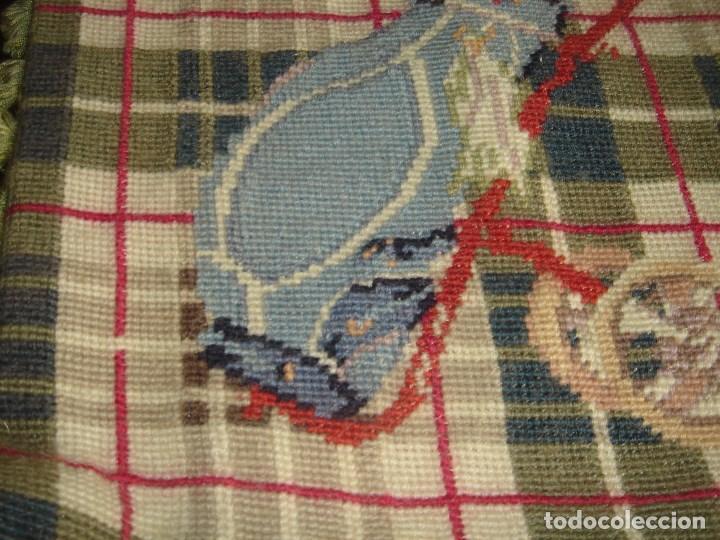 Artesanía: pareja de cojines de petit point 33 por 33 nuevos - Foto 5 - 183375052
