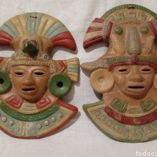 Artesanía: 2 MAGNÍFICAS MASCARAS EN BARRO,ARCILLA TERRACOTA POLICROMÍA. AZTECA,MAYA. MÉXICO. REGALO UNA TERCERA. Lote 186371856