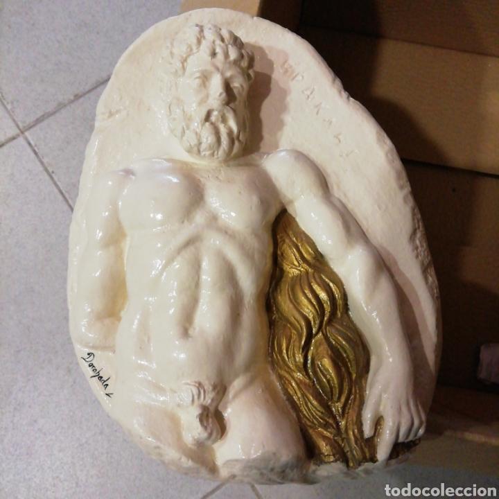 RELIEVE DE HÉRCULES DE 24 X 18 CM. FIGURA DECORATIVA (Artesanía - Hogar y Decoración)
