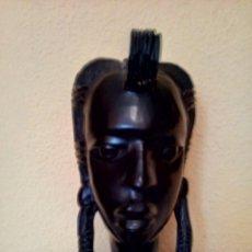 Artesanía: BUSTO DE MADERA AFRICANO MUJER. Lote 195303368