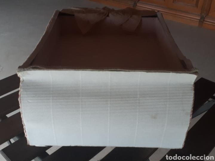 Artesanía: Coche papel reciclado cartón escaparatismo decoración - Foto 4 - 203595070