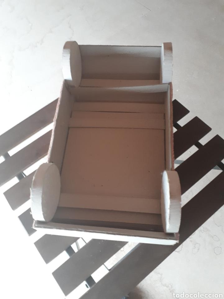 Artesanía: Coche papel reciclado cartón escaparatismo decoración - Foto 5 - 203595070