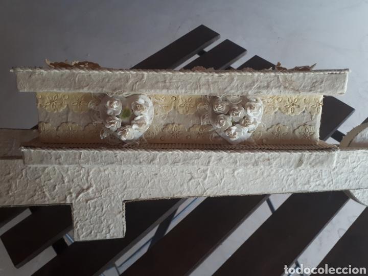 Artesanía: Carretilla papel reciclado cartón escaparatismo decoración - Foto 3 - 203595175