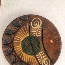 Artesanía: PLATO CERÁMICA PUIGDEMONT 36CM. Lote 203602367