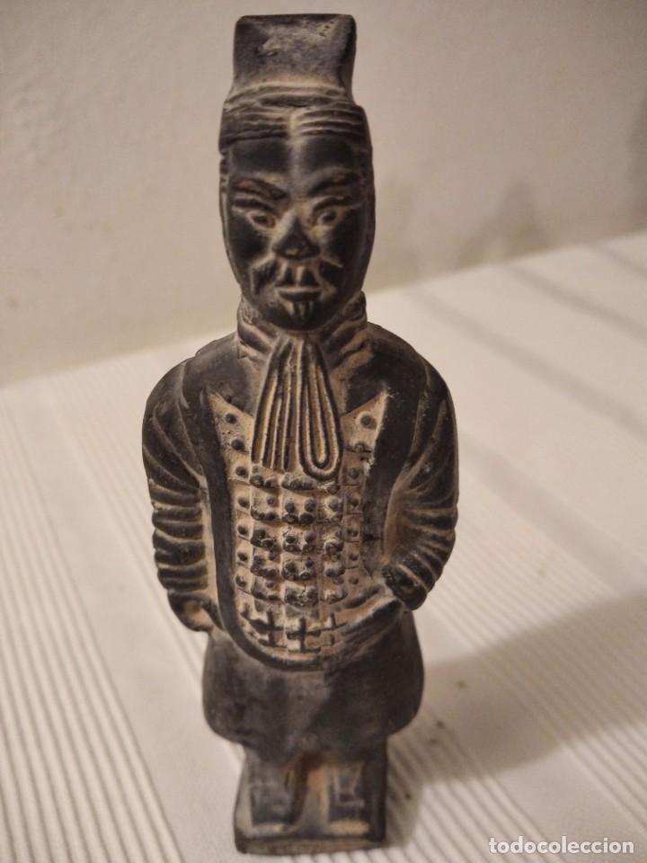 Artesanía: Guerreros de siam. Interesante lote de 5 figuras . Arcilla negra o terracota - Foto 9 - 208977568