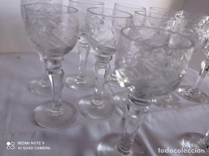 Artesanía: 12 COPAS LICOR CRISTAL TALLADO ANTIGUO - Foto 4 - 216587610
