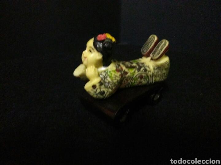 Artesanía: Figura china siglo XX niña reposando , - Foto 4 - 219469175