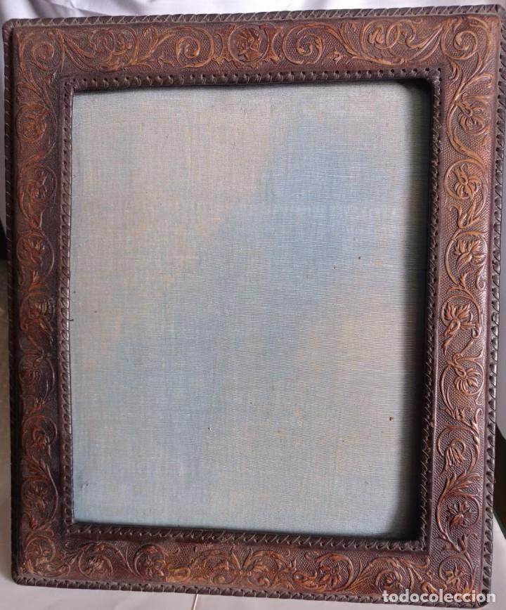 Artesanía: MARCO ANTIGUO SOBREMESA PIEL REPUJADA - Foto 2 - 237190060