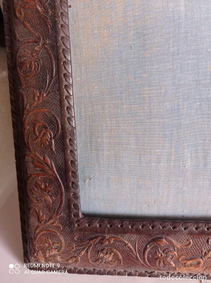 Artesanía: MARCO ANTIGUO SOBREMESA PIEL REPUJADA - Foto 6 - 237190060