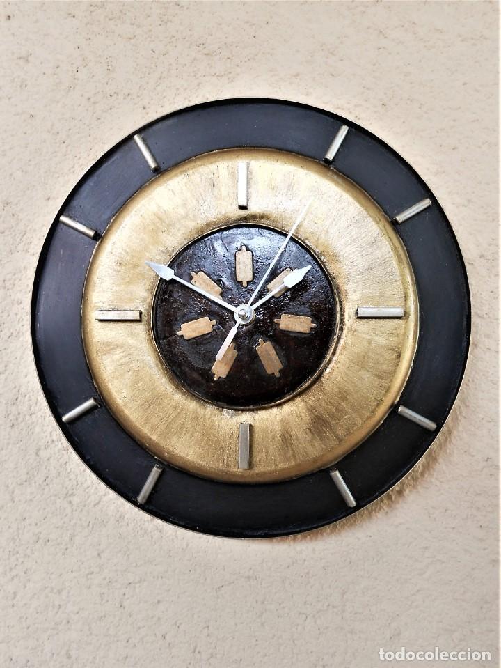 Artesanía: Reloj de Pared Artesanal Exclusivo - D = 30 cm - totalmente metálico - Pintado a mano - Foto 2 - 257702490