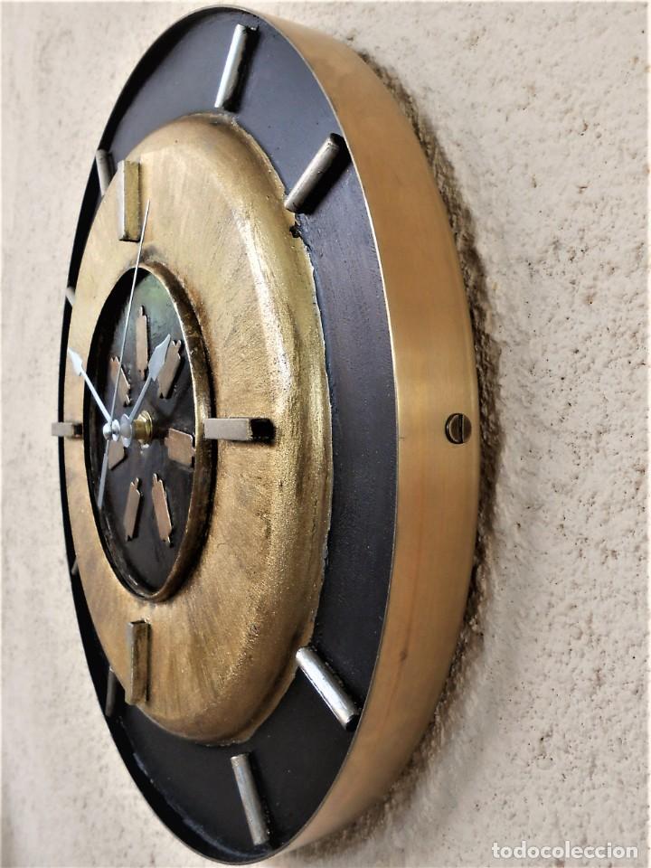 Artesanía: Reloj de Pared Artesanal Exclusivo - D = 30 cm - totalmente metálico - Pintado a mano - Foto 3 - 257702490