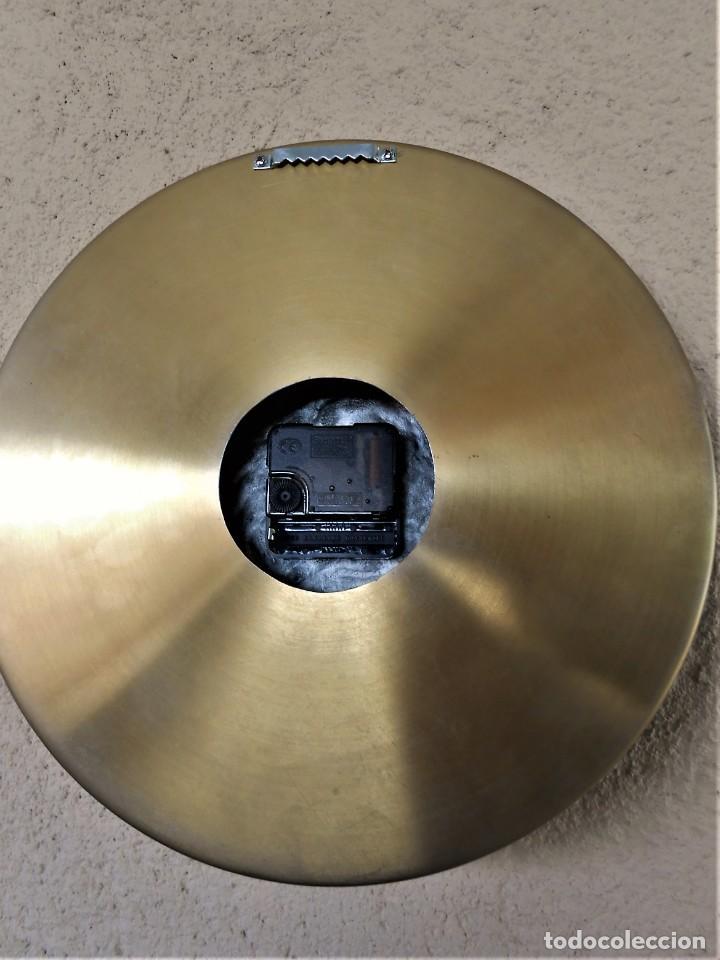 Artesanía: Reloj de Pared Artesanal Exclusivo - D = 30 cm - totalmente metálico - Pintado a mano - Foto 5 - 257702490