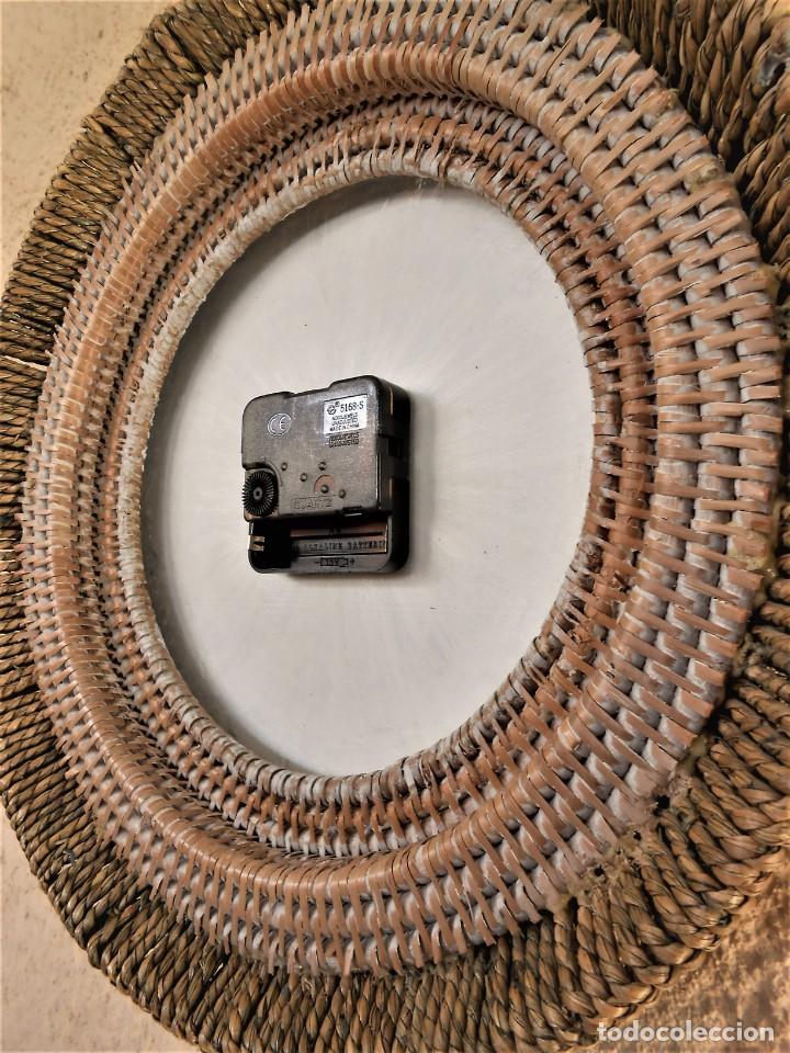 Artesanía: Reloj de Pared Artesanal Minimalista - D = 40 cm - Metal, Madera rustica y bambú - Diseño Retro - Foto 4 - 257703790