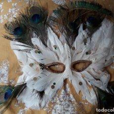 Artesanía: MASCARA DE PLUMAS BLANCAS NATURALES. Lote 262374685