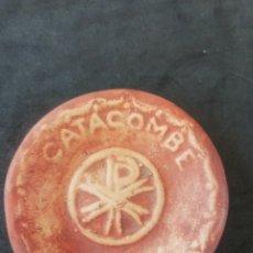 Artesanía: PLATITO ARCILLA CATACUMBAS DE ROMA 9CM. Lote 265736284