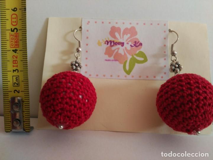 Artesanía: Bonitos pendientes de ganchillo en forma de bola roja - Foto 3 - 135018094