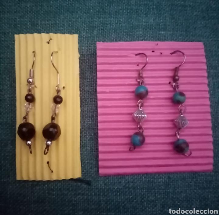 Artesanía: 2 pares de pendientes colgantes de diferentes colores 3cm largo aproximadamente - Foto 4 - 211797027