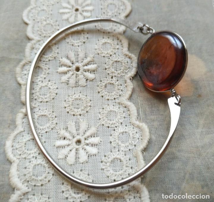 Artesanía: Pulsera / brazalete metal cierre superior con cristal naranja/marrón claro - 6cm x 4.50cm Sin uso - Foto 2 - 128375167