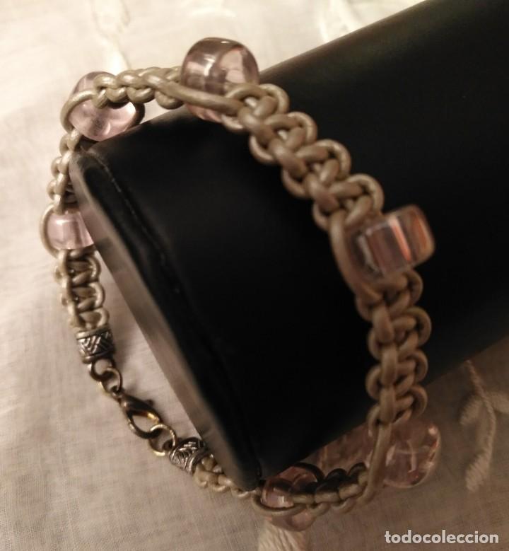 Artesanía: Pol 2 Pulsera cuero gris trenzado con cristales rosa pálido y cierre mosquetón - Foto 2 - 130188891