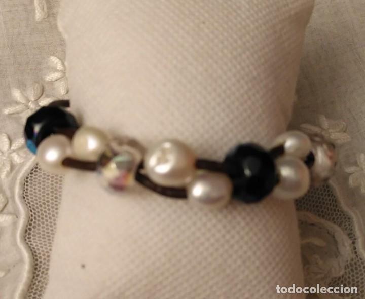Artesanía: Pol 15 Pulsera 2 tiras cuero marrón con perlas y cristales - Cierre mosquetón - 20.50cm largo - Foto 2 - 130684549