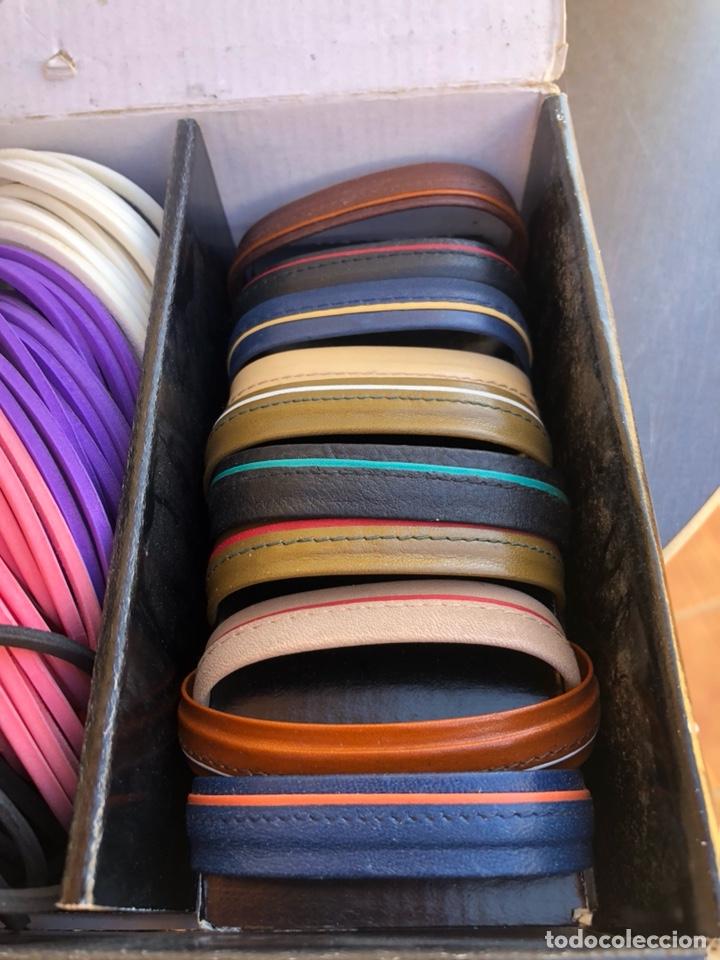 Artesanía: Bonito muestrario de pulseras tucán, años 80-90 - Foto 2 - 197324317