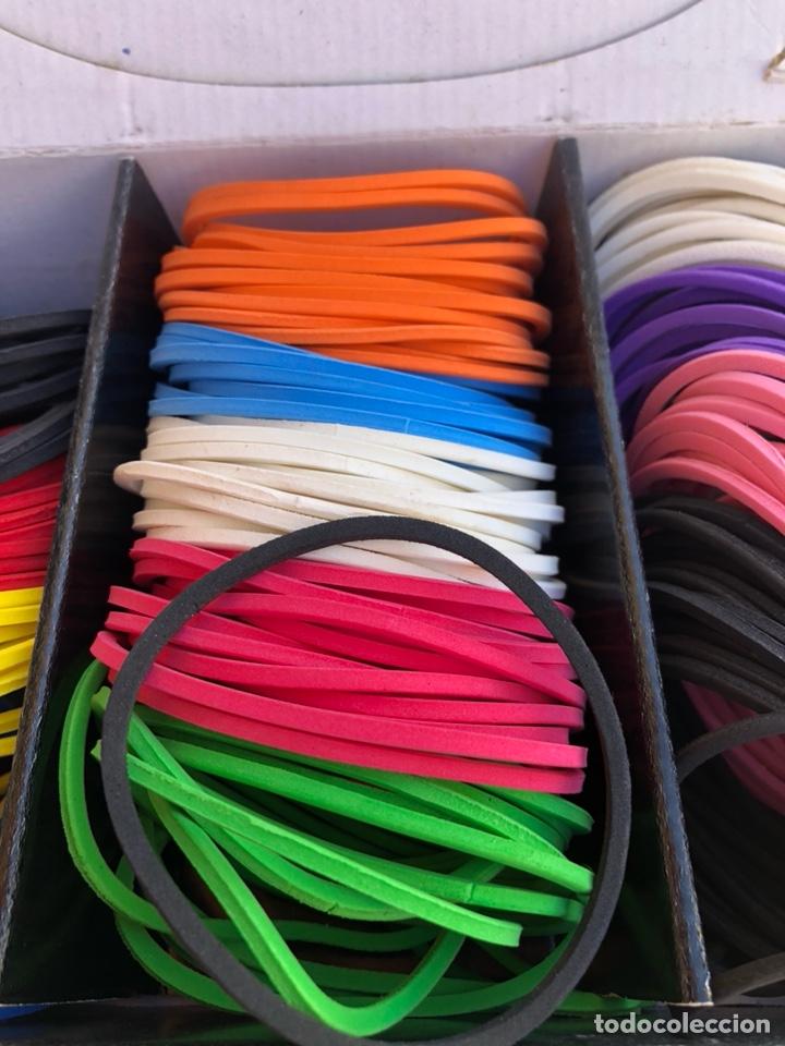 Artesanía: Bonito muestrario de pulseras tucán, años 80-90 - Foto 4 - 197324317