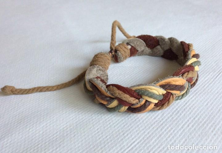 Artesanía: pulsera de cuero y cuerda entrenzada. Muy bonita. - Foto 3 - 206549626