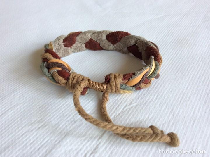 Artesanía: pulsera de cuero y cuerda entrenzada. Muy bonita. - Foto 4 - 206549626