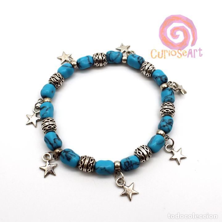 Artesanía: Pulsera artesanal con piedras Turquesa, cuentas decoradas y colgantes llave/estrella - Foto 2 - 159897386