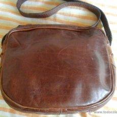 Artesanía: BOLSO DE PIEL COLOR MARRON. Lote 51541808
