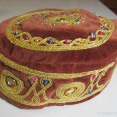 Artesanía: SOMBRERO GORRO TRADICIONAL TURCO EN TERCIOPELO TURKISH HAT. Lote 57473417