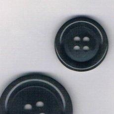 Artesanía: LOTE BOTONES GRISES 32 Y 44 LINEAS COLOR 133. Lote 109298407