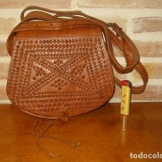 Artesanía: ESTUPENDO BOLSO DE PIEL O CUERO CON DIBUJOS AL FUEGO.. Lote 131123076
