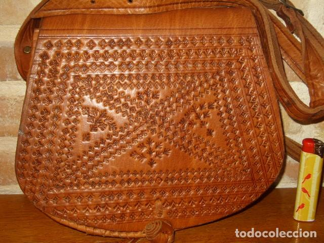 Artesanía: ESTUPENDO BOLSO DE PIEL O CUERO CON DIBUJOS AL FUEGO. - Foto 2 - 131123076