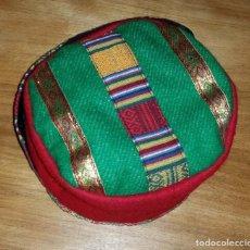 Artesanía: SOMBRERO TÍPICO AFRICANO KOFI AÑOS 90. Lote 132999054