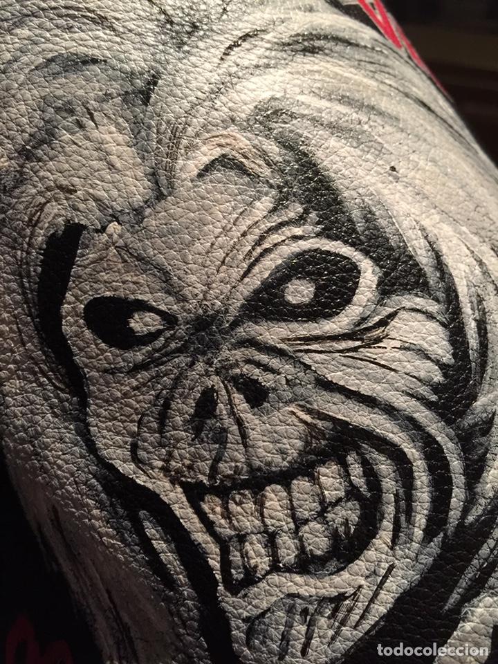 Artesanía: Parche de cuero (piel) pintado a mano. Está barnizado y se puede mojar. Iron Maiden - Foto 3 - 140635633