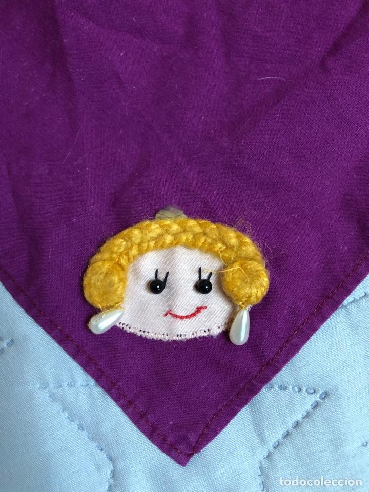 Artesanía: Pañuelo indumentaria valenciana con muñeca bordada - Foto 3 - 146523222