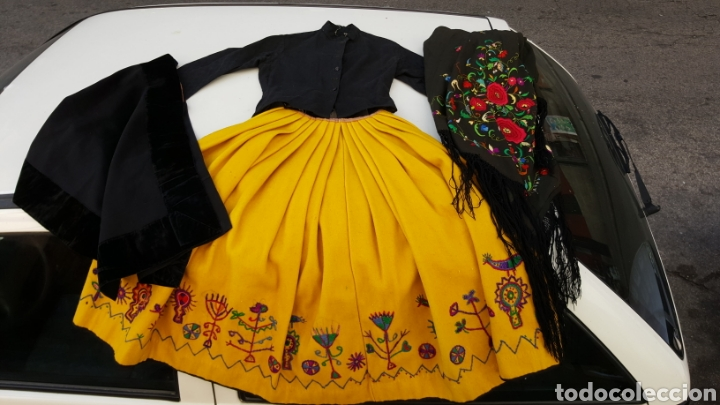 TRAJE REGIONAL ANTIGUO (Handicraft - Clothing and Accessories)