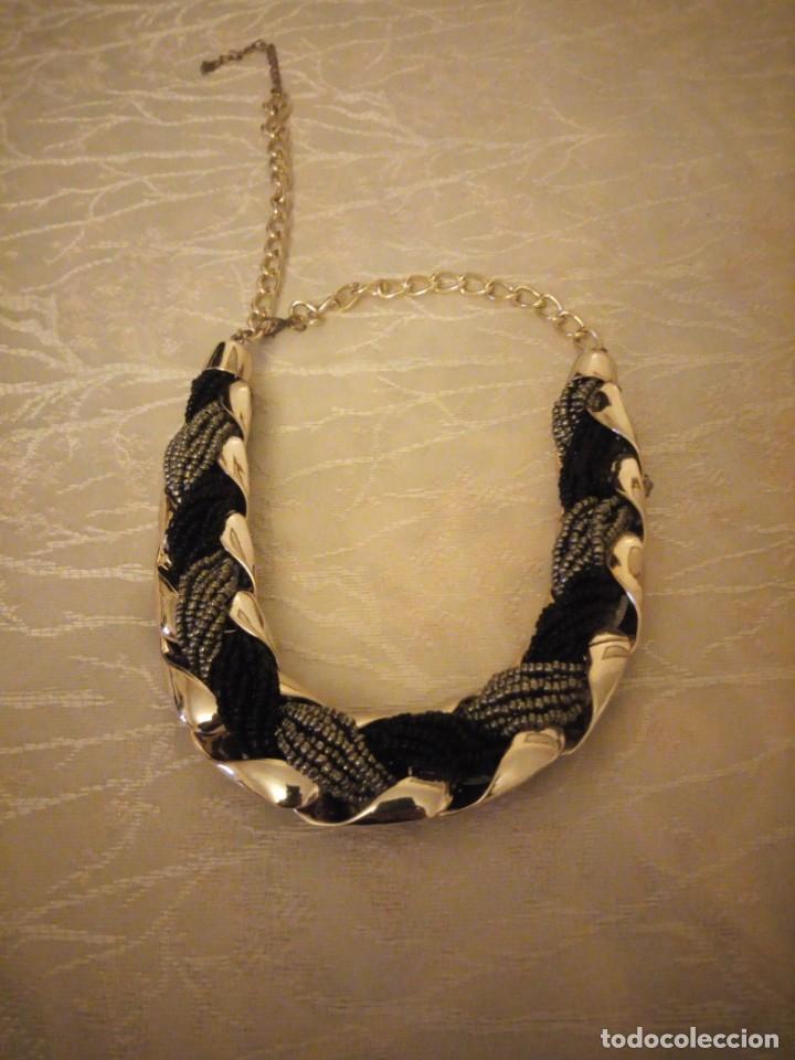 Artesanía: Bonita gargantilla de plastico y metal. - Foto 2 - 159901618