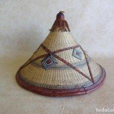 Artesanía: SOMBRERO AFRICANO HECHO A MANO DE PIEL ORIGINAL. Lote 122968471