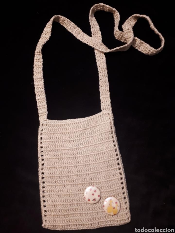 Artesanía: Bolso pequeño porta móvil ganchillo artesanal. Varios modelos a elegir. - Foto 2 - 235336580
