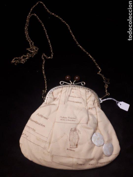 Artesanía: Bolso tela artesanal estampado hoja patrón de Iaiarose con boquilla y cadena. - Foto 3 - 235340445