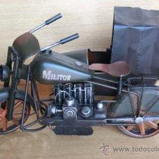 Artesanía: MOTOCICLETA CON SIDECAR HECHOS EN HIERRO. . Lote 30274010