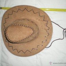 Artesanía: SOMBRERO VAQUERO EN PIEL SINTETICA HECHO A MANO NUEVO SIN USO. Lote 42841524